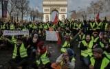 Акция протеста «желтых жилетов» в Париже