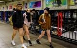 Флешмоб «В метро без штанов» в Нью-Йорке